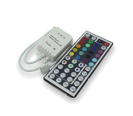RGB stmievač pre LED pás s diaľkovým ovládaním
